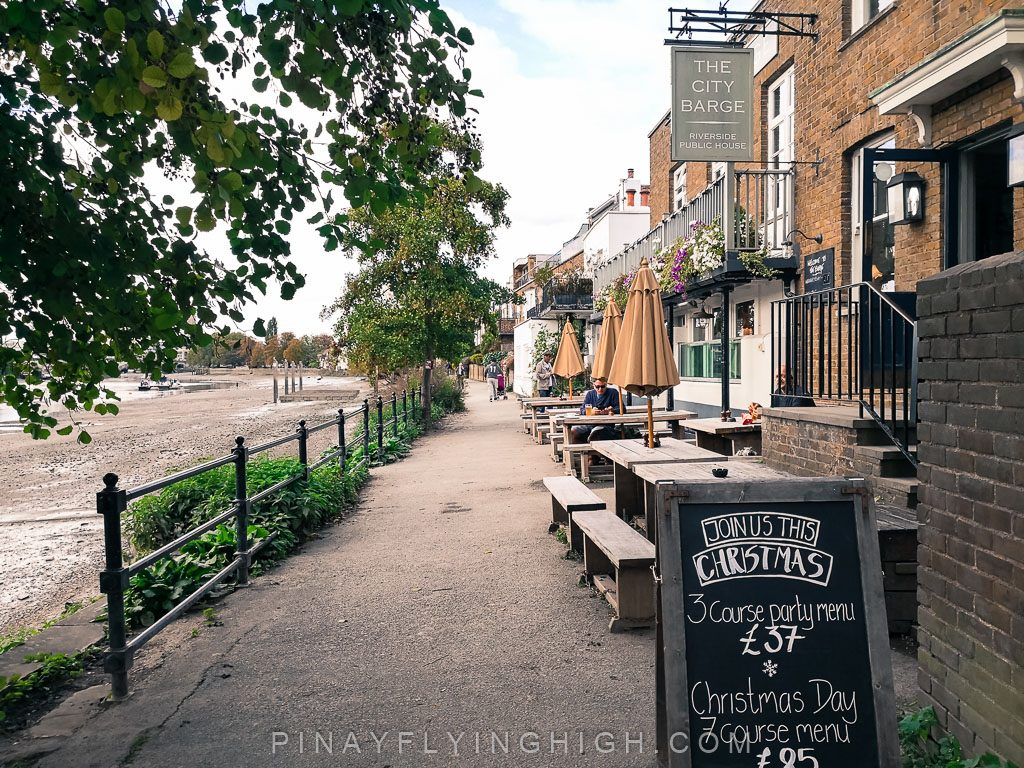 City Barge, Strand-on-the-green, London, england