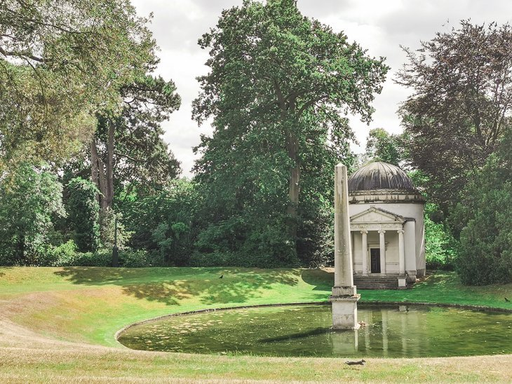 Obelisk at Chiswick House and Gardens