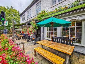 Lass O'Richmond Hill, Pubs In London