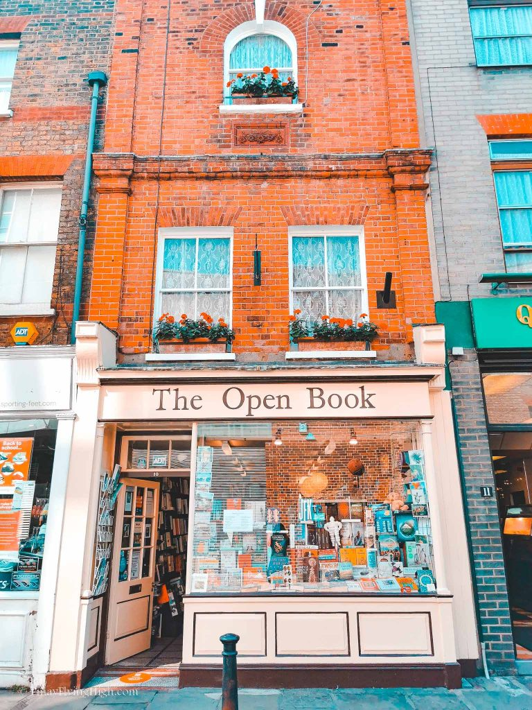 Open Book, King St, Richmond, London, England-200